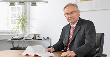 Dr. Manfred Stütz, Verkehrsrecht, Versicherungsrecht